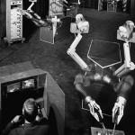 Mobot: el engendro robótico que te pintará las uñas (1960)