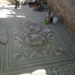 Descubren en Cástulo (Linares) un mosaico del alto imperio romano en excelente estado de conservación