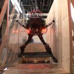 ¿Y si te cruzaras de noche con este robot?